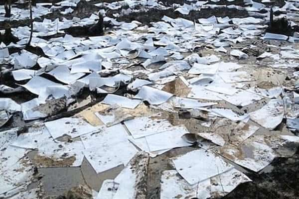 """Exxon's famous """"paper towel"""" oil spill cleanup at Mayflower, Arkansas."""